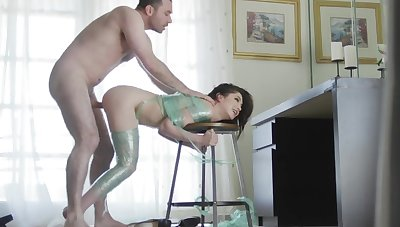 Jane Wilde lands the big piece of dick directly into the pussy