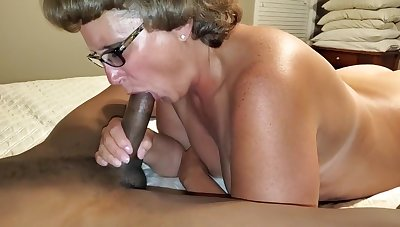 Shelly sucking Jordans black cock