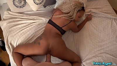 Man fucks tight ebony so good that she cums improve him