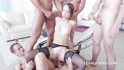 Kira Thorn Dap anal gangbang
