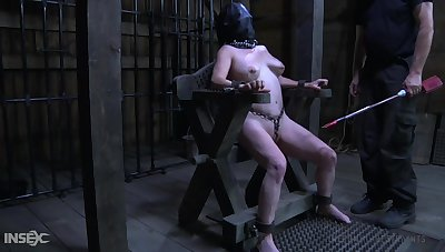 Obedient chubby whore with leather slaved mask Femcar gets pussy stretched