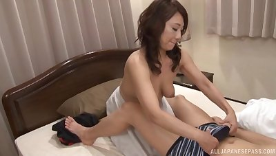 Kondou Ikumi sucks a hairy dick and gets fucked restlessly with it