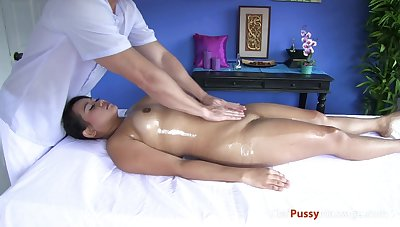 Cute chubby Thai girl Kalaya has sought-after a massage for some time exhausted enough