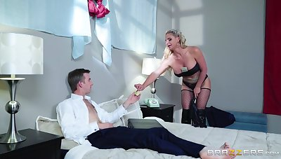 Blonde cougar ass fucked look into playing dominant in wainscotting