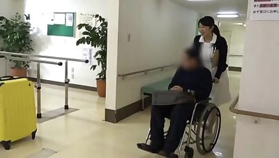 Heedfulness helps her patient with physiotherapy