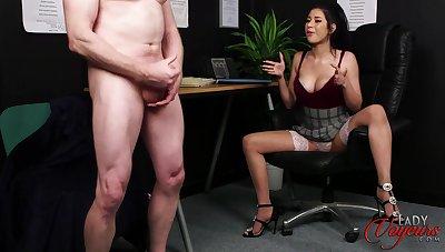 Foxy secretary Atlantna Moreno enjoys watching her hotshot masturbate