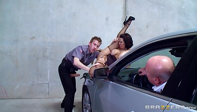 MILF feels moneyed in the ass while hubby sits in the car and watches her