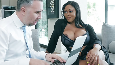 Agent nails huge-chested novelist while hubby away